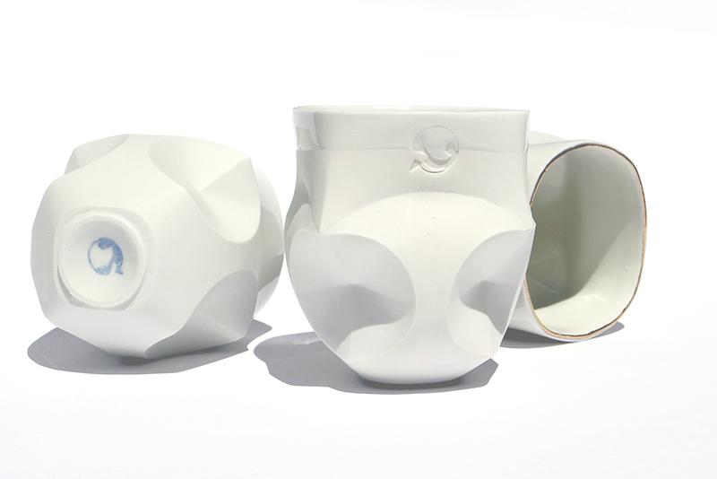 Hajtogatott csésze   mázas porcelán