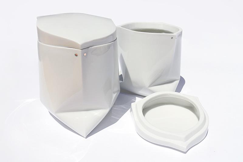Zsák edény   mázas porcelán
